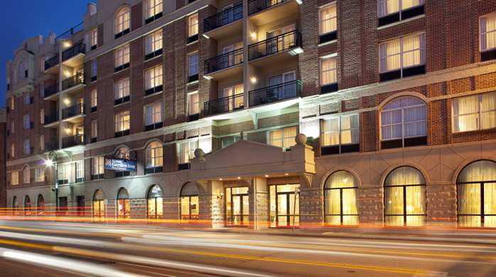 Welcome to the Hilton Garden Inn Savannah Historic District!